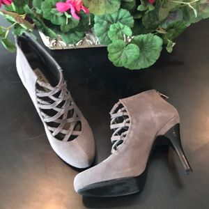 Steve Madden leather bootie ankle boot 👢 sz 9